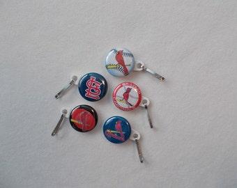 St. Louis Cardinals … Set of 5 zipper Pulls Zipper pulls or Paper clips with  St. Louis Cardinals images.