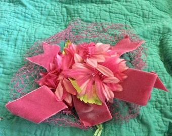 Vintage PINK Velvet, Ketted, Floral HAT APPLIQUE Mint Condition