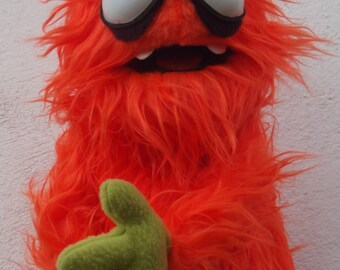 Sr. zanahorio  the monster, Mr Carrot puppet,  Enjoyable orange monster puppet wooden rods