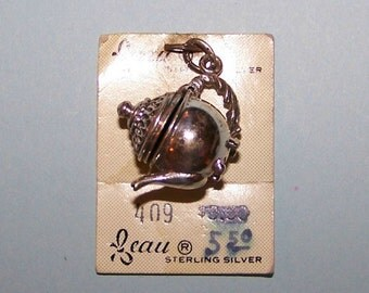 Vintage Beau TEA POT --  Sterling  Silver  Charm --Moveable Lid -- On Original Store Card
