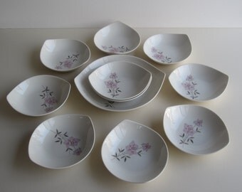 "Taylorton by John Gilkes for Taylor, Smith &Taylor, ""Rose Sachet"" Pattern - Bowls with Serving Bowl"