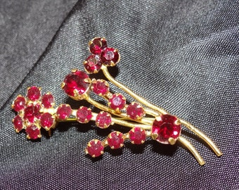 Vintage Gold Brooch is a Bouquet Ruby Red Rhinestones, Costume Jewelry Pin Antique, Womans Vintage Pin, Floral Pin, Red Roses Womans Gift