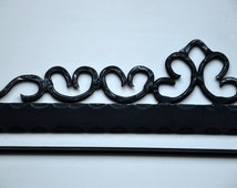 Vintage wall rug hanger Wrought iron quilt rack Large tapestry and embroidery hanger Metal hardware for textile wall hanging 59 cm wide