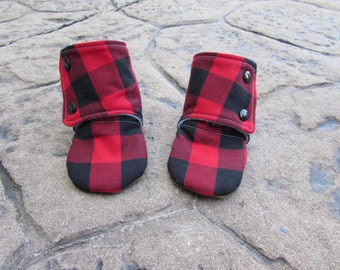 NEW Buffalo Plaid Baby Boots // Red Black Lumberjack, Toddler Boots, Rubber Sole Winter Boots, Baby Shoes, Infant Shoes, Baby Booties, Moccs