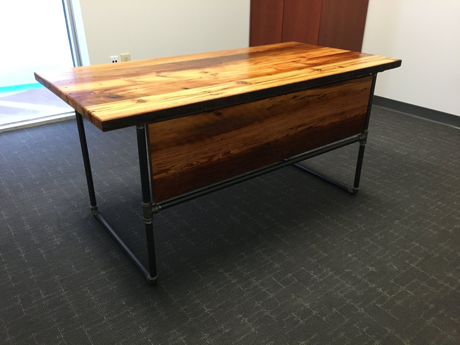 Black Steel Pipe Desk