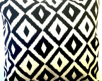 Black and White Indoor/Outdoor Pillow Cover
