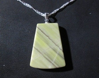 Healite pendant on 18 inch necklace - HP9