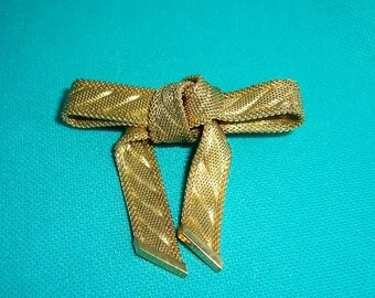 Vintage Christian Dior Gold Tone Bow Brooch Pin 1970