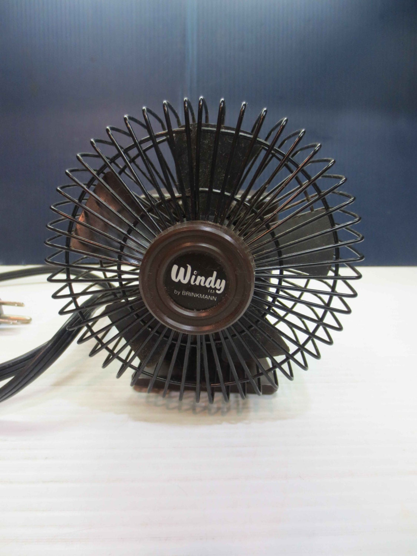 adorable brinkmann mini desk fan the windy two. Black Bedroom Furniture Sets. Home Design Ideas