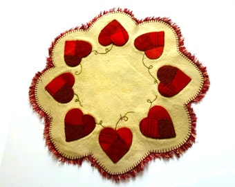 Valentines Day Heart Applique Wool Penny Mat, Wool Penny Mat, Heart Wool Penny Mat, Heart Penny Rug, Valentines Applique, Applique Penny Mat