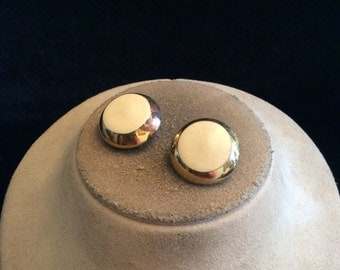 Vintage Chuinky Off White Enameled Clip On Earrings