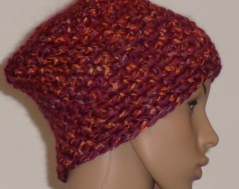 Crochet hat in Burgundy
