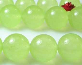 32 pcs of Prehnite Jade smooth round beads in 12mm