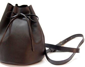 Leather Handmade Simple Très Chic Bucket Backpack Bag