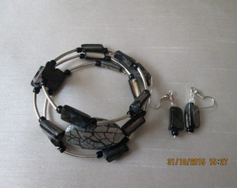 Memory wire natural lshell bracelet and earring set