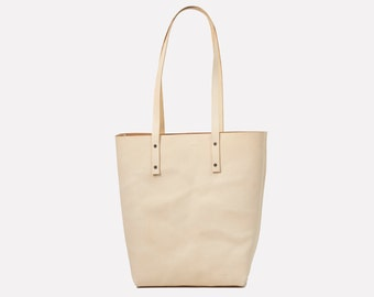 Classic Leather Tote - Natural