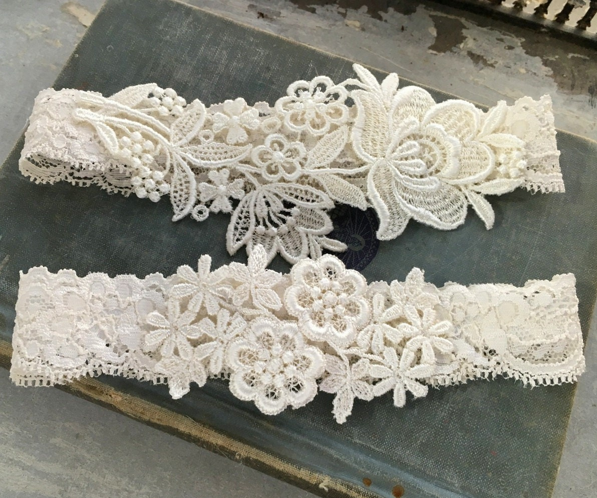 What Is A Garter At A Wedding: Lace Wedding Garter Set Ivory Garter Set Lace Garter Toss