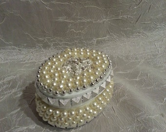 Oval Trinket or Jewelry Box from Repurposed Vintage to Modern Jewelry