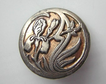 "Beautiful antique button, flowers, foliage, silvery iris on gilt bottom , 0.90"""