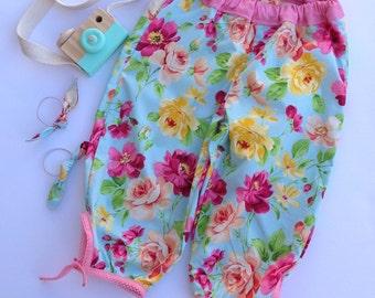 Blue floral capri pants