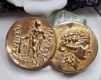 Coin brooch Alva Studios