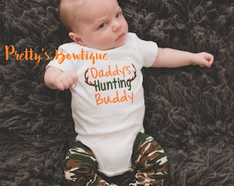Daddy's hunting buddy shirt or body suit and camo leg warmers camo-deer-hunting-little hunter -- Daddy's hunting buddy outfit