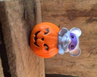 1988 Hallmark Mouse in Jack-O-Lantern Pumpkin Figurine, Merry Miniatures Halloween