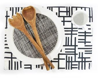 Scandinavian Mid century retro fabric Placemats - Almedahls Pickepin