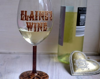 glam wine glass, personalised wine glass, animal print wine glasses, gifts for sister, gift for women, home decor, leopard print, wine gifts