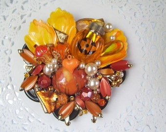 Halloween Magnet (626) - Halloween Refrigerator Magnet - Recycled Jewelry - Pumpkin Magnet