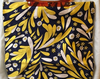 1970s fold over clutch purse, bag