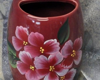 Raspberry flower toothbrush holder