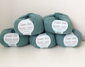 5 x 50g balls of Debbie Bliss Rialto 4 ply wool yarn 100% extra fine merino wool sea green 37