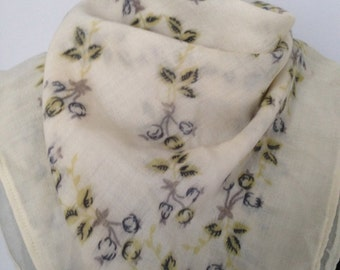 scarf, file of wool, vintage 40, pastel flowers