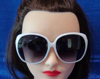 Ladies Vintage Oversized White Sunglasses,White Chic Sunglasses