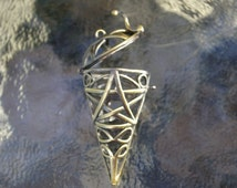Brass plated stone cage locket pendant: Round tip cone shape. Good for gem stones, quarts, rocks.