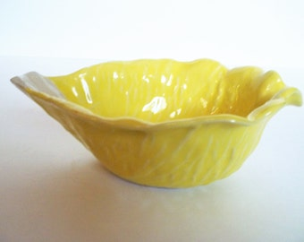 Yellow Cabbage Leaf Bowl