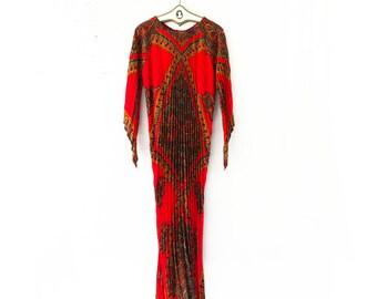 Vintage 70s Caftan Boho Dress // Red Paisley Long Hippie Maxi Dress