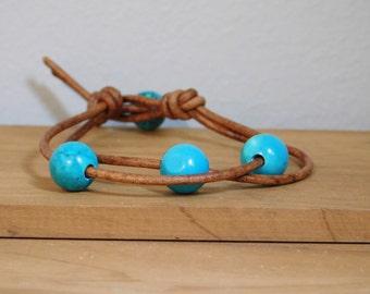 Women's Leather Bracelet, Turquoise howlite leather bracelet, Women's leather jewelry, Beads &  leather bracelet, Leather jewelry, Item O205