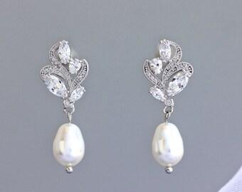 Leaf Crystal Earrings, Dainty Bridal Earrings, Bridal Stud Earrings, Pearl Drop Earrings, Bridal Jewelry, Pearl Wedding Earrings