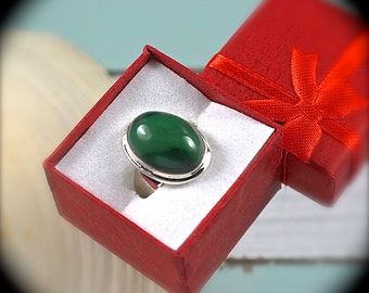 Jade sterling silver ring  size 8 1/4 US
