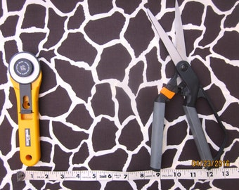 Giraffe Print Fabric, Animal Print, Safari print, Zoo print, 1 yard