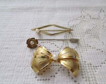 Lot of 3 faux pearl pins brooches 50's / 60's  estate find