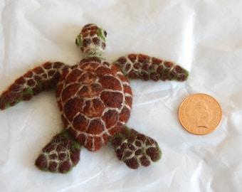 Turtle Brooch - Needle felted animal badge - handmade wool brooch