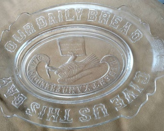 glass platter// Americana // bald eagle // us Constitution// blessing// bread // wedding shower gift // vintage platter// vintage home