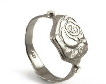 Silver women's signet ring , women's silver ring, Alternative wedding ring, handmade engraved rose flower, sterling silver wedding ring