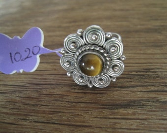 Sterling Silver Pebbled Tigers Eye Flower Ring 8.25-8.5 (1020)