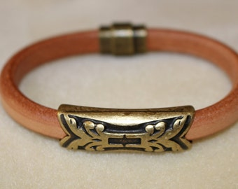 Mens Leather Bracelet,Regaliz Leather Bracelet,Brown Leather Bracelet with Antique Copper Slider,Mens Leather Bracelet with a Magnetic Clasp