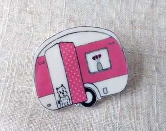 Summer brooch - Caravan brooch - Vintage caravan - Campervan brooch - Gift for her - Summer jewellery