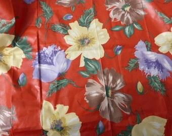 COUPON FABRICS of vintage fabrics lightly coated, large flowers, furniture,
